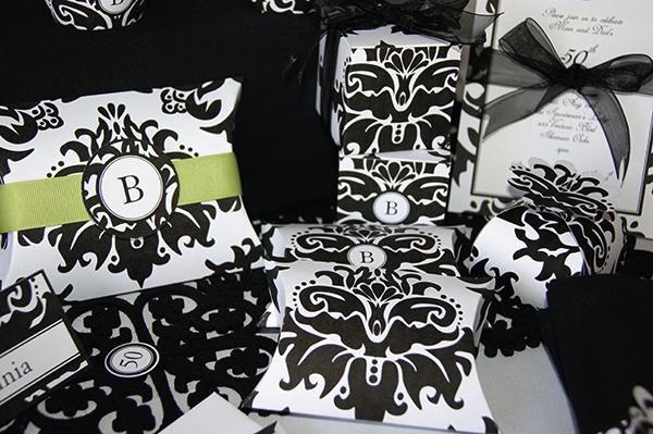 Black-Damask-favor-boxes2