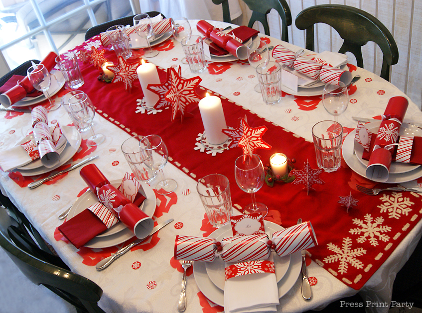 Red And White Snowflakes Christmas Table Press Print Party