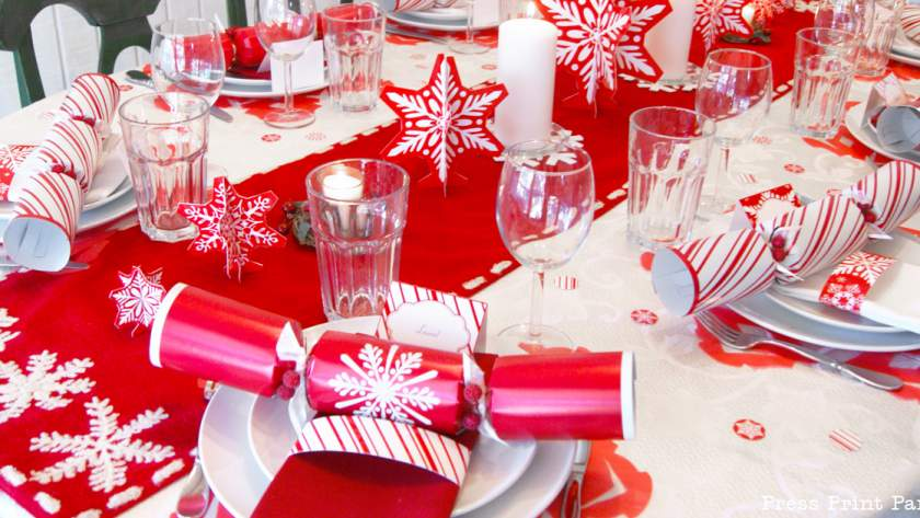 Merry & Bright – Red & White Snowflakes Christmas Table