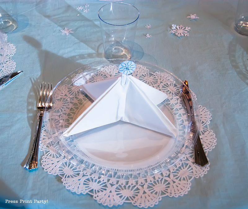 Christmas Winter Wonderland Centerpiece DIY by Press Print Party! Tree Napkin fold.