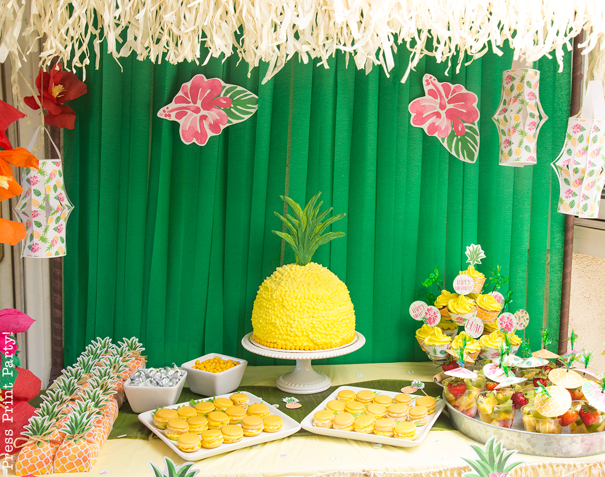 Pineapple Cake Decoration Images