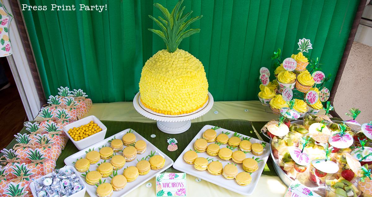 How to Make a Pineapple Cake that Looks Like a Pineapple