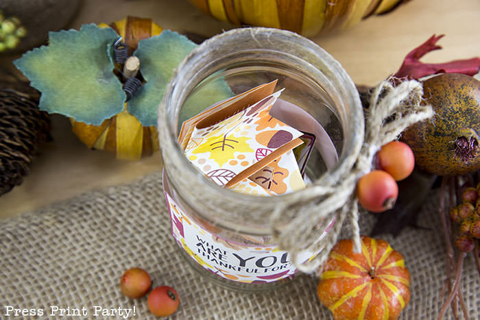 Free Thanksgiving printable conversation cards for Thanksgiving dinner activity. Game for Thanksgiving. free printable Thanksgving ideas for dinner. What to do at Thanksgiving dinner. With questions to boost conversation. Fall leaves design. Put them in a jar with label. Press Print Party!