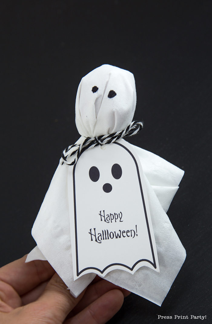 Ghost Lollipops DIY with FREE Halloween printable tags - By Press Print Party!