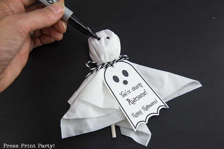 Ghost Lollipops DIY with FREE printable tags - By Press Print Party!