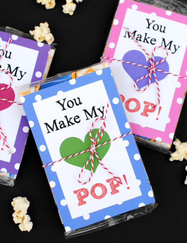 35 Easy No-Candy Valentines with Free Printables by Category - Curated by Press Print Party! You make my heart pop valentine printables for popcorn for classmates and friends