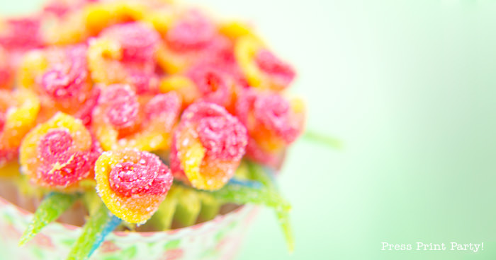 DIY Rose Bouquet Cupcakes, Spring Flower Cupcakes - By Press Print Party!