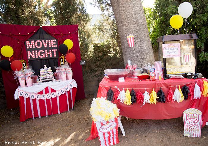 Backyard movie night party ideas - Movie night cupcakes with popcorn - Printables by Press Print Party!