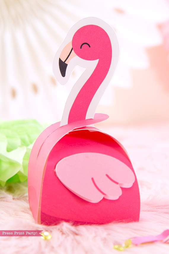 Flamingo party favor box DIY with boy pink flamingos - Printables by Press Print Party!