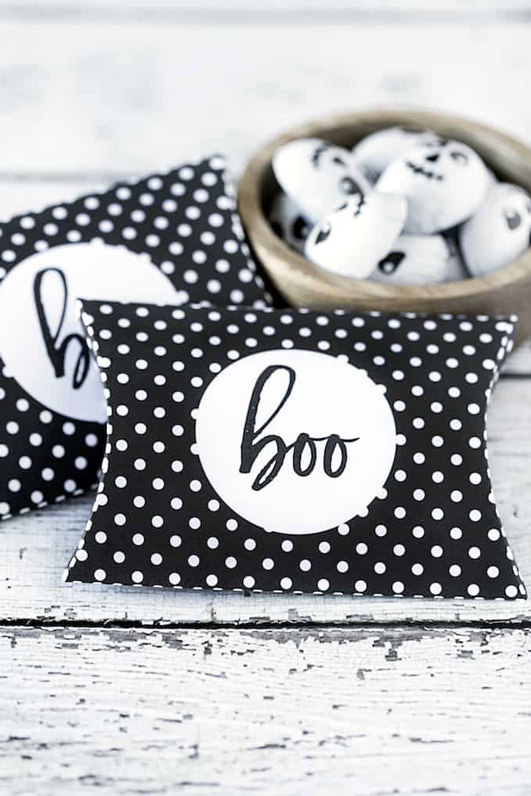 Free Halloween Printables - pillow box - List by Press Print Party!