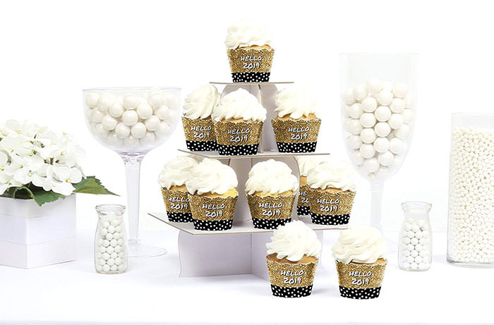 cupcake wrappers gold and black