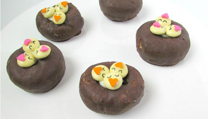 Adorable Easter Treats - Chick donuts - Press Print Party!