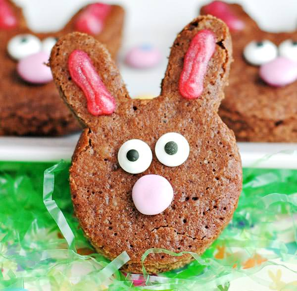 Adorable Easter Treats - bunny brownies - Press Print Party!