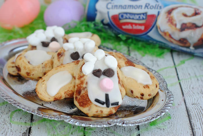 Adorable Easter Treats - lamb cinnamon rolls- Press Print Party!