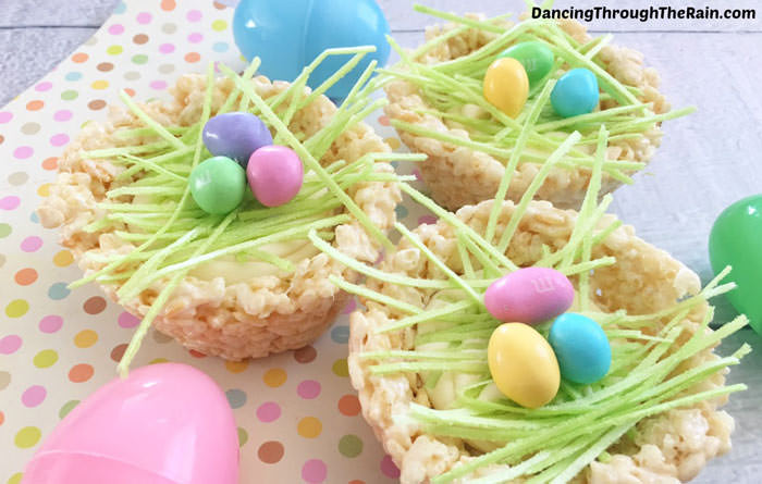 Adorable Easter Treats - rice krispies nests - Press Print Party!