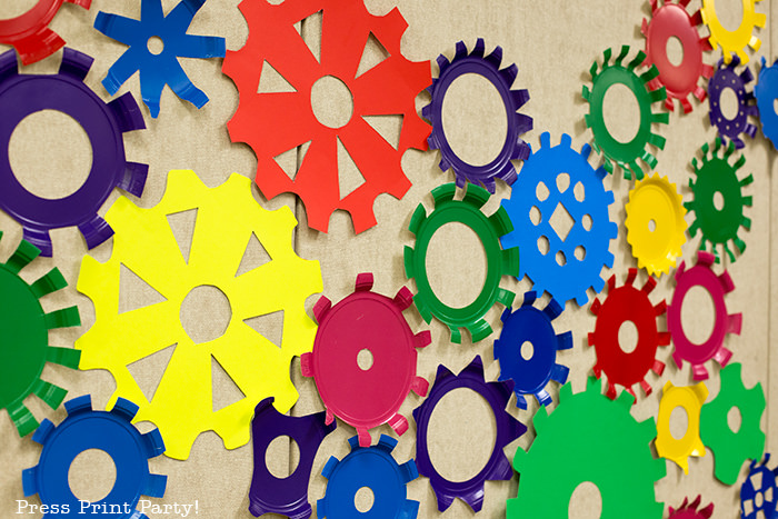 paper plate gears -Science party decoration ideas DIY -Press Print Party!