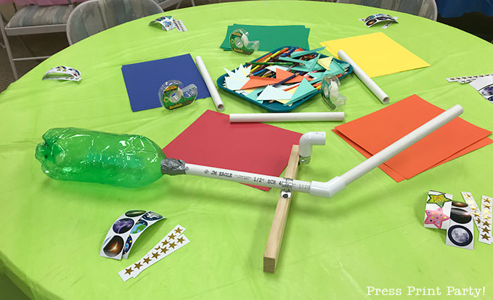 DIY rocket launcher with pvc pipes - Science party decoration ideas DIY -Press Print Party!