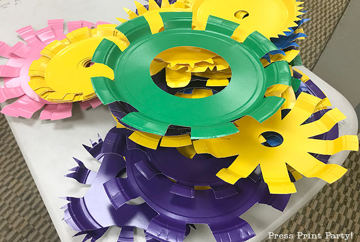 DIY paper plate gears backdrop -Science party decoration ideas DIY -Press Print Party!