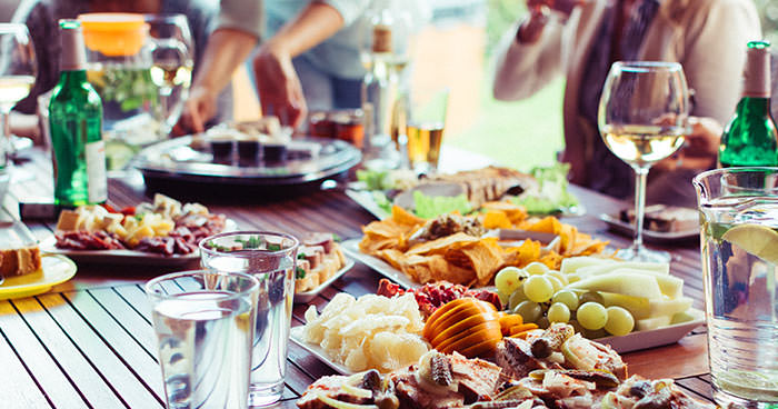party table outside with food. 10 thank you gifts for hostess by press print party