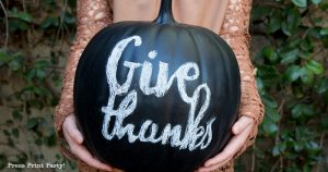 DIY Chalkboard pumpkin how to do chalk lettering with free printable desgins and instructions- Black chalkboard pumpkin with Give Thanks for easy thanksgiving decorations Fall Farmhouse decoration- Press Print Party!