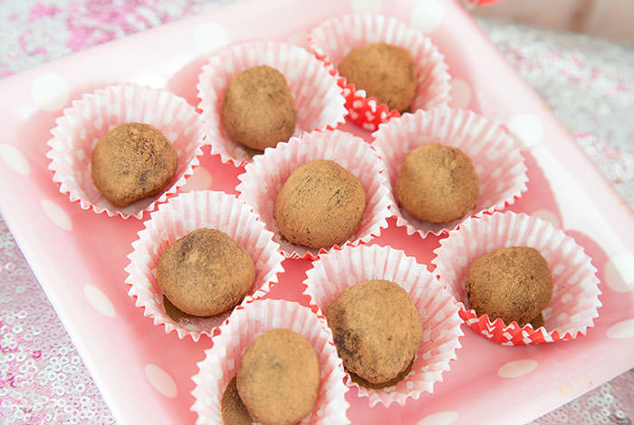 French Chocolate truffles recipe for Galentine's day or valentine's day chocolates - Press Print Party!