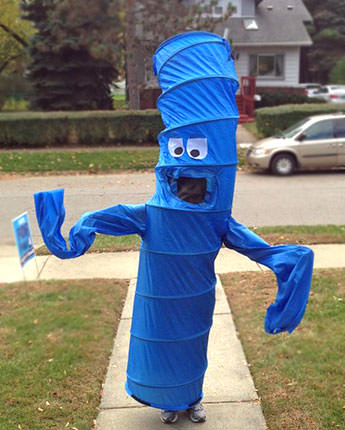 wawing arm man costume Last minute Halloween diy costumes ideas